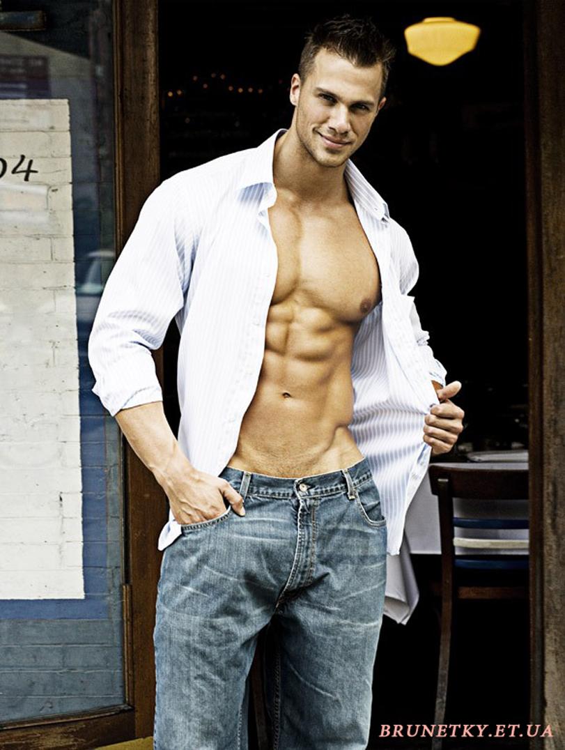 Дорогие девушки, насладитесь красивыми телами парней и может быть эти